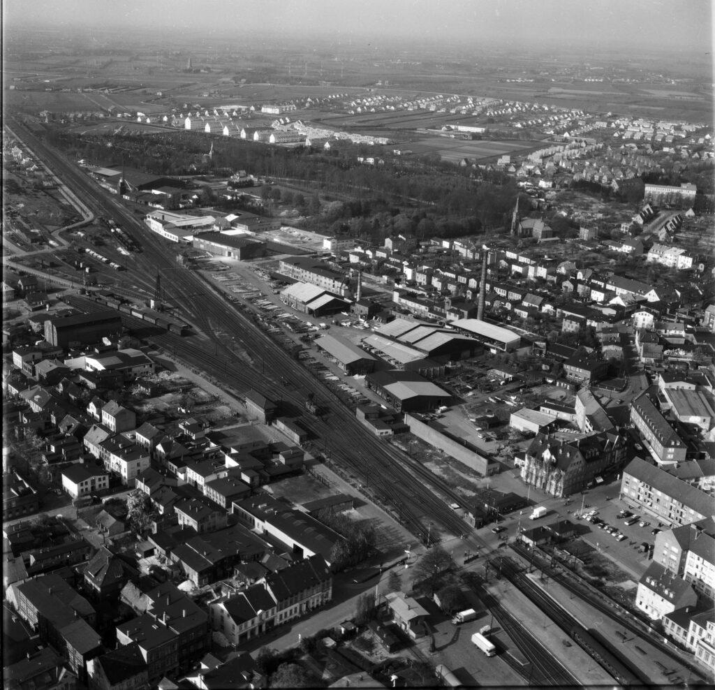 Luftbild Elmshorn, Schulstraße, Güterbahnhof, Juni 1959