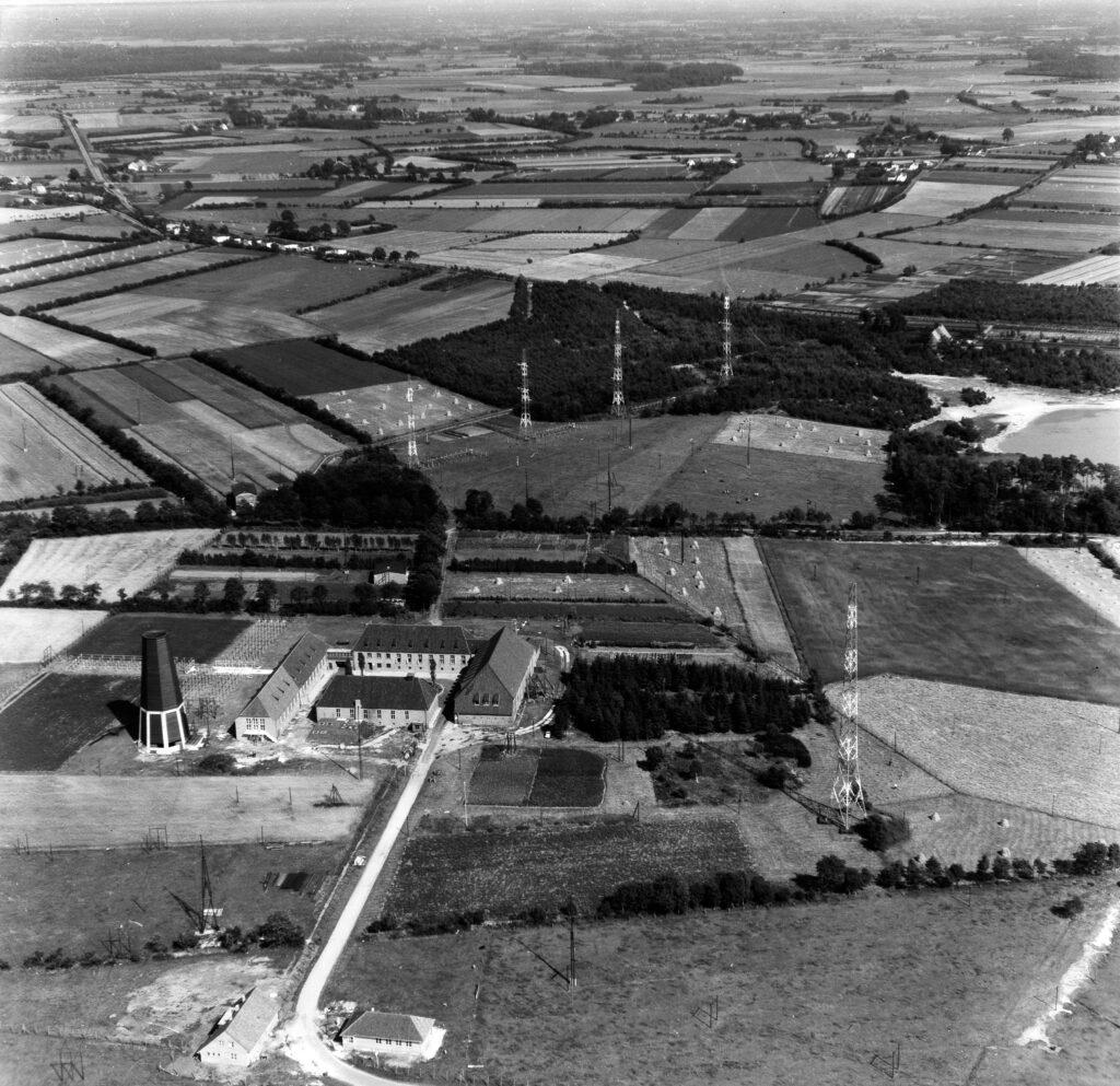 Luftbild Elmshorn/Klein Offfenseth-Sparrieshoop, Sendefunkstelle Elmshorn, vermutlich 1960