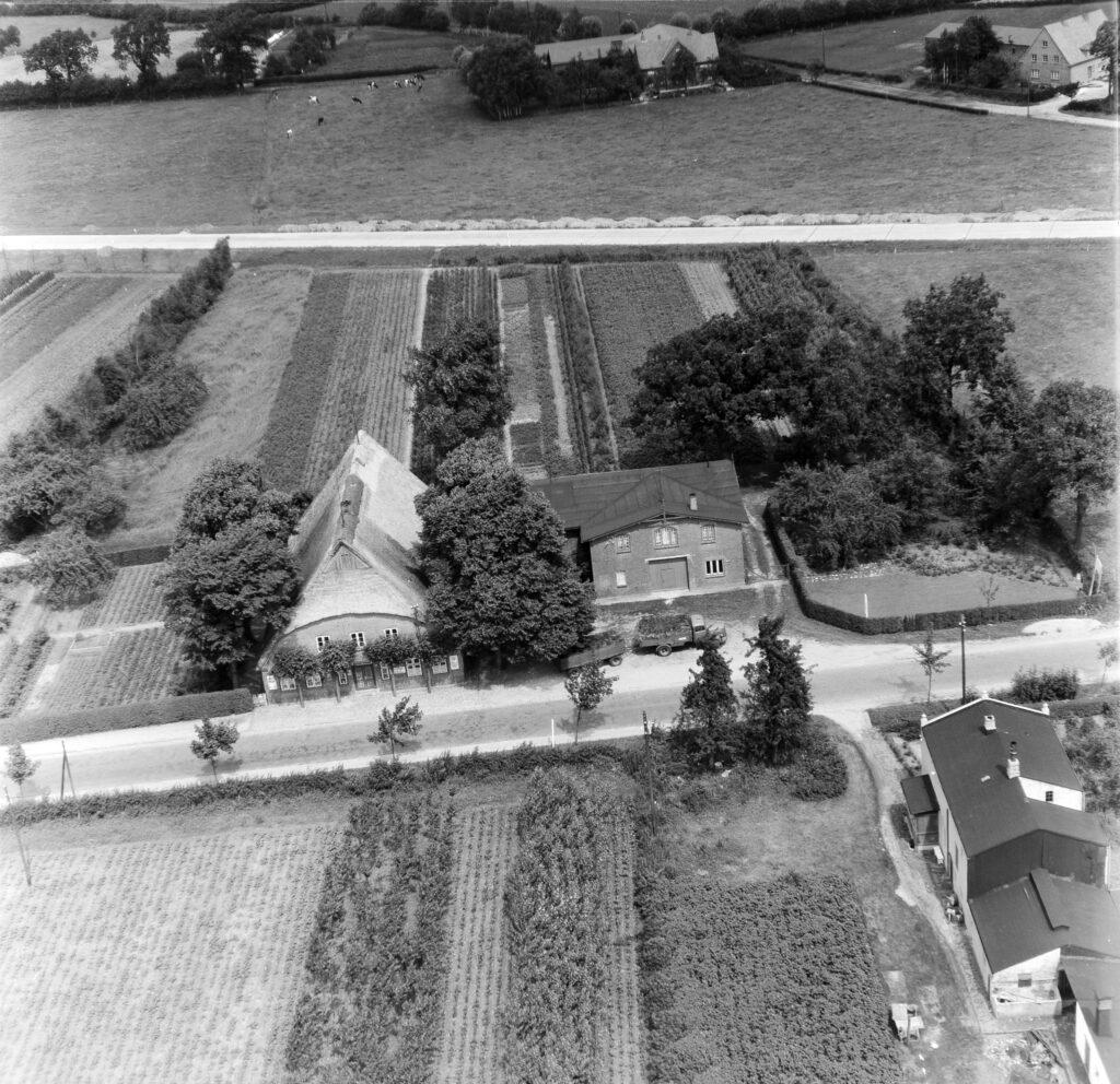 Luftbild Elmshorn, Grauer Esel (heute Hamburger Straße), 1960